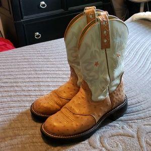 7 1/2 Ariat Boots